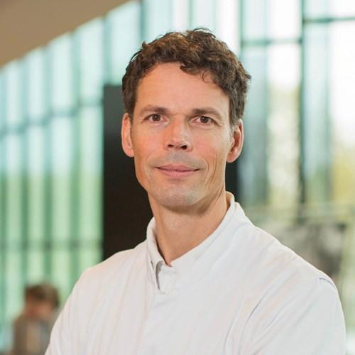 Dr. Bas Wijnhoven